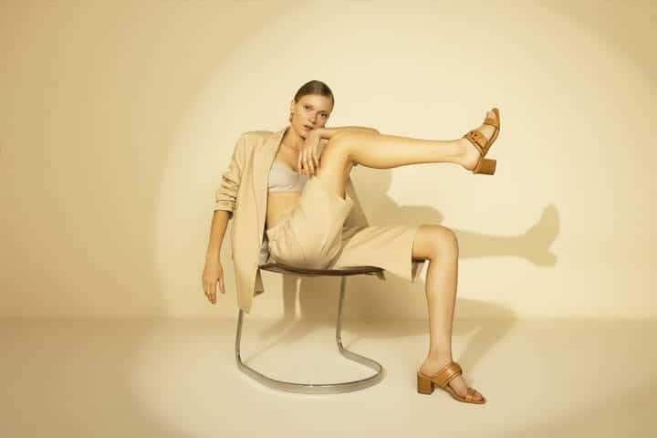 Como elaborar looks com sandália com muito estilo